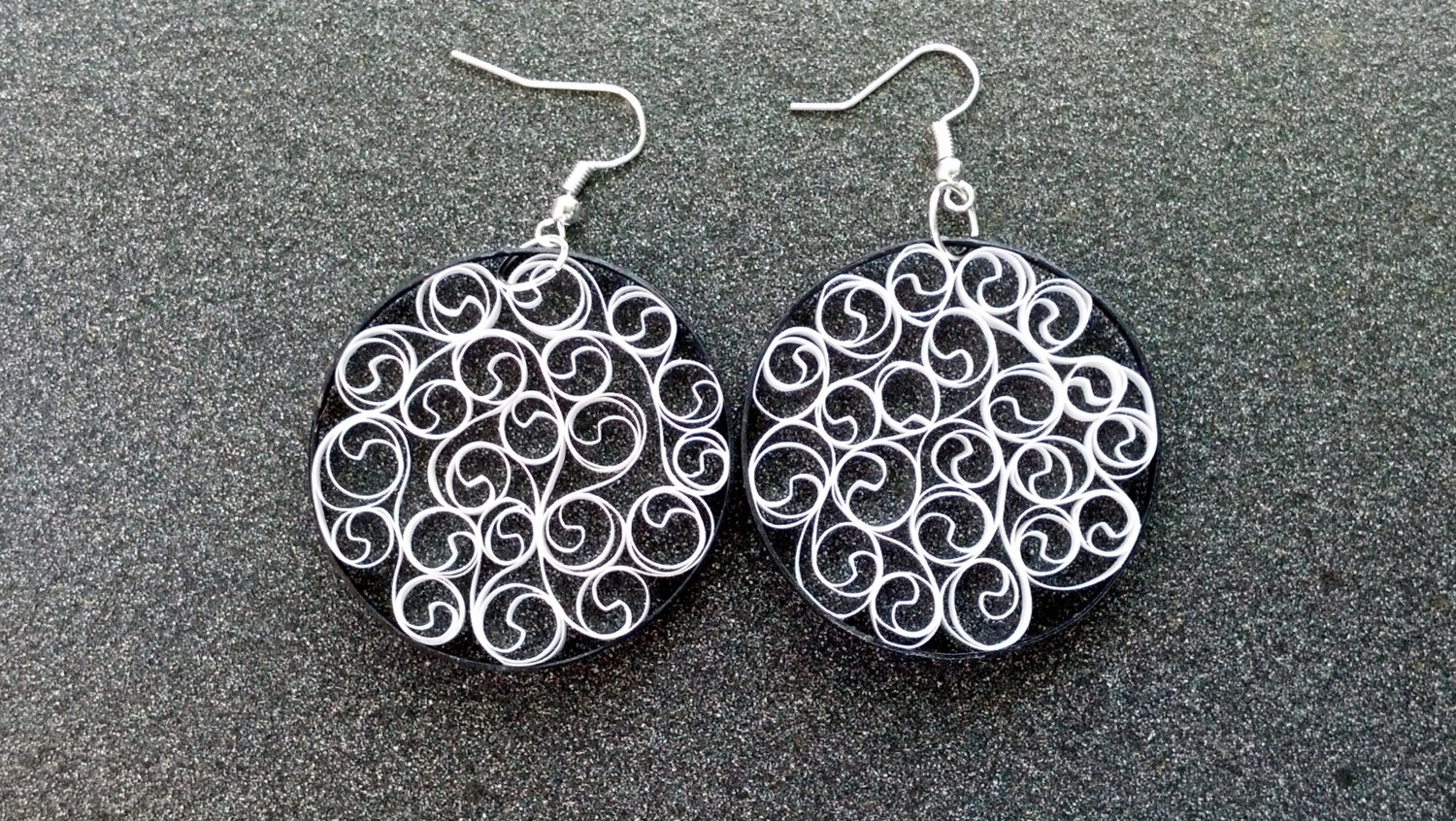 di product white bijoux casetta earrings black and marzapane detail hoop princess