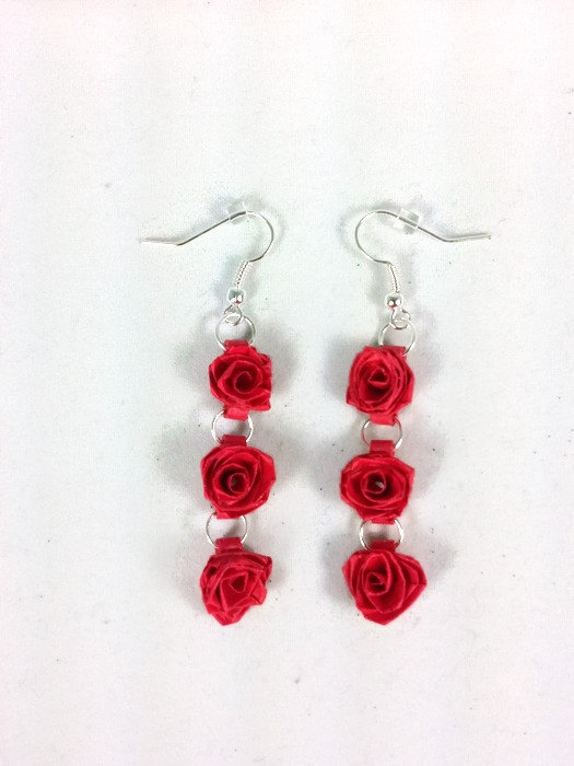 handmade three red roses dangle earrings sweethearts and