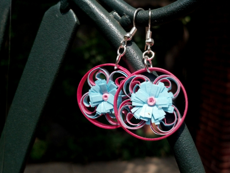 pink and blue earrings, blue daisy earrings, paper filigree earrings