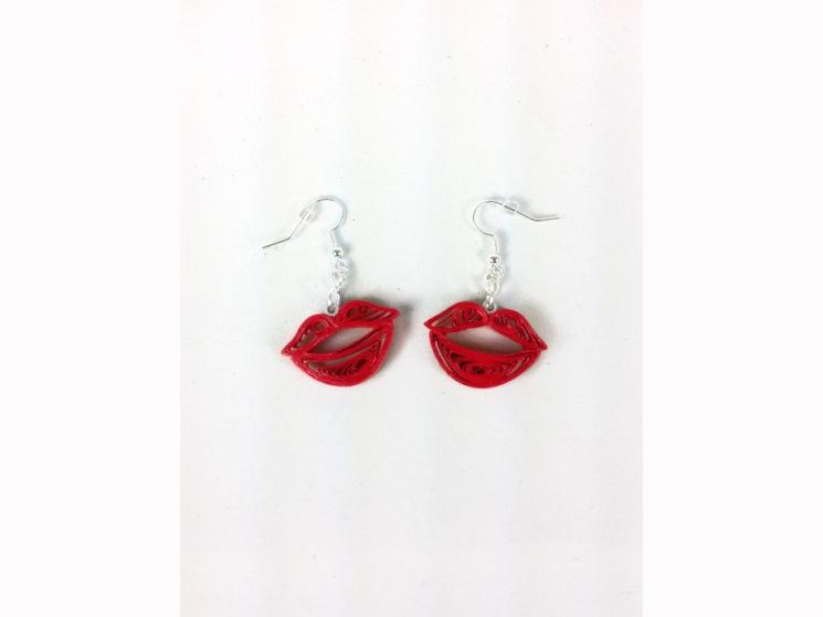 red lips dangle earrings, kiss lips earrings, red kisses dangle earrings