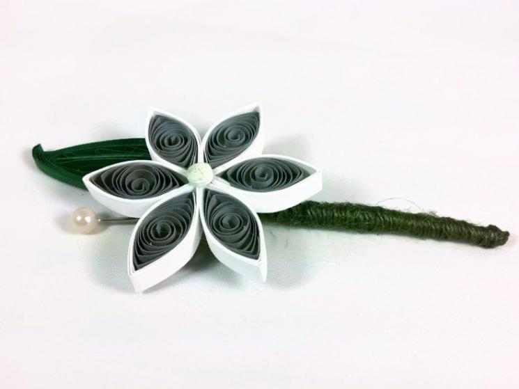 boutonniere alternatives, paper flower buttonhole, gray boutonniere