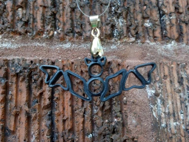 vampire necklace, vampire jewelry, vampire pendant, handmade Halloween jewelry