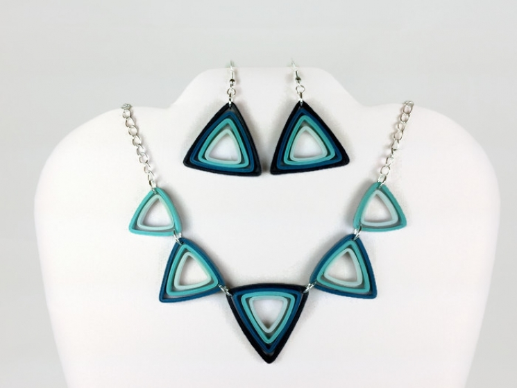 necklace and earrings, earrings and necklace, ombre triangles, ombre jewelry