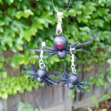 Halloween jewelry set, spider necklace, spider earrings, spider pendant