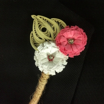 rustic wedding boutonniere, paper daisy, daisy boutonniere, corsage for men