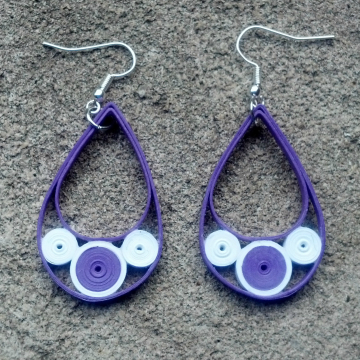 art deco jewelry, white circles, black drops, black teardrops, mod earrings