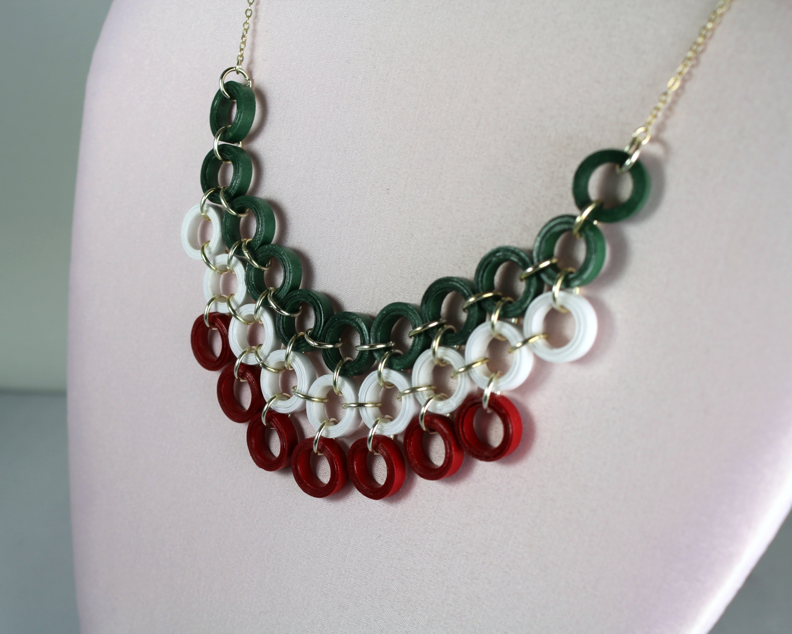 Christmas Jewelry.Christmas Necklace Red And Green Quilling Bib