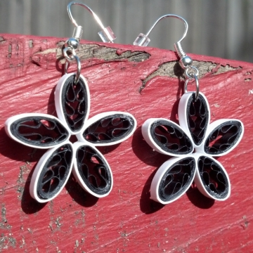 Paper Quilled Daisy Handmade Flower Earrings